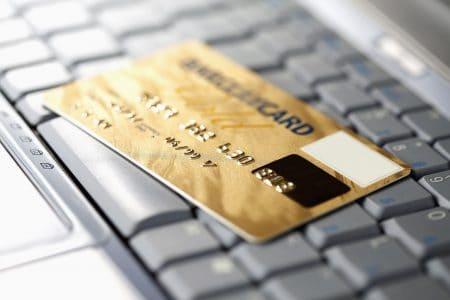 הונאה בכרטיסי אשראי