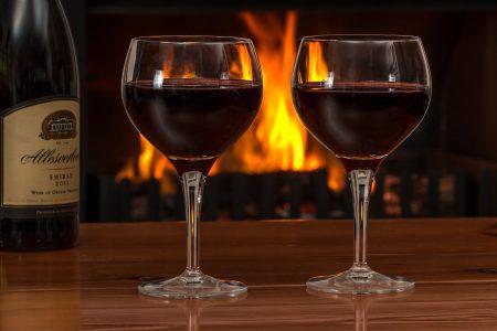 שתי כוסות יין