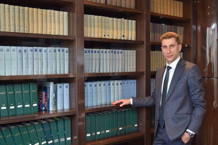 עורך דין דניאל ינובסקי